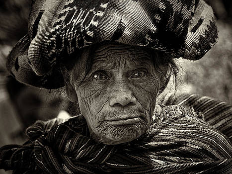 Old Woman of Chichicastenango by Tom Bell