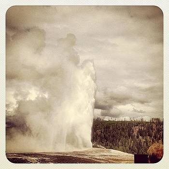 #oldfaithful #yellowstone #geyser #wy by Greta Olivas