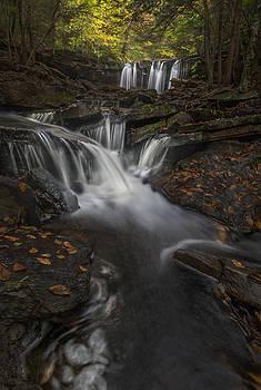 Oneida falls by Roman Kurywczak