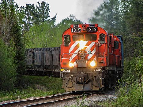 Steve Boyko - Red Ore Train on a Curve near Bathurst
