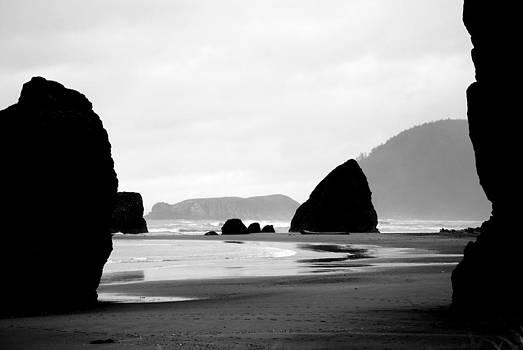 Oregon Coast BW by Mamie Gunning