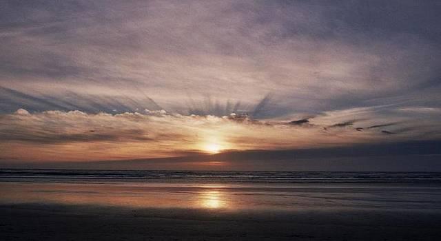 Oregon Sunset by Lawrence Pratt