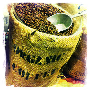 Organic Coffee by Nina Prommer