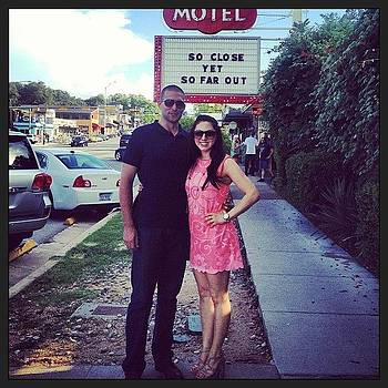 Outside The Austin Motel 😘 by Nicole Beck
