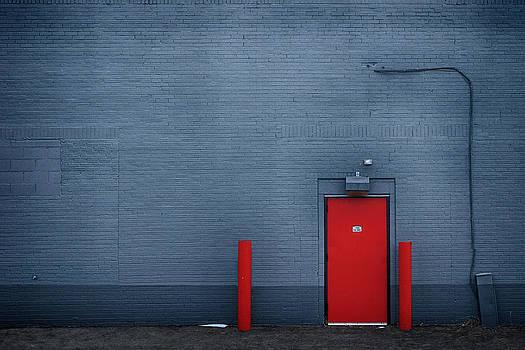 Nikolyn McDonald - Outside the Building - Urban Minimalism