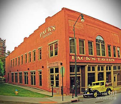 Pack's Tavern by Lisa Jones