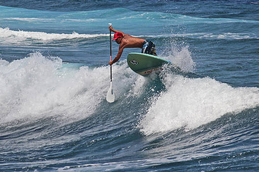 Venetia Featherstone-Witty - Paddle Boarding in Hawaii