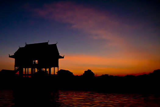 Pagoda during sunset by Thomas Pfeller