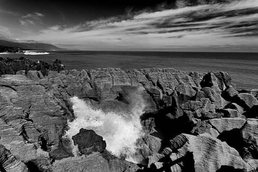 Pancake rocks by Photographos ORG