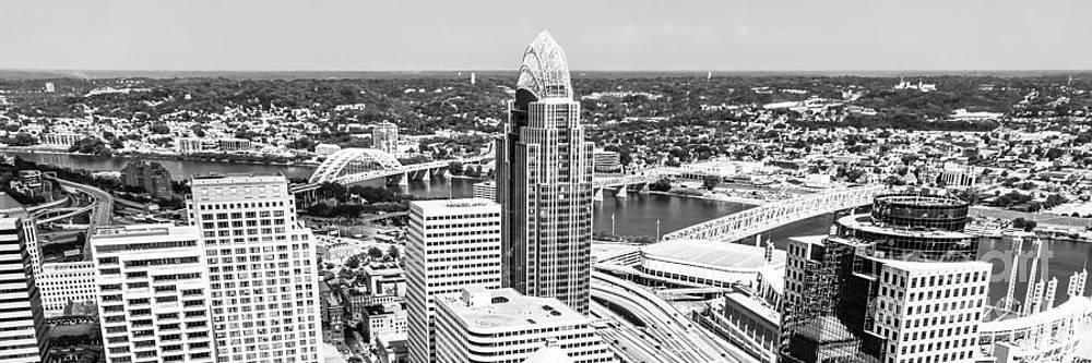 Paul Velgos - Panorama Cincinnati Skyline Aerial Picture