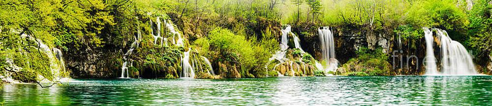 Oscar Gutierrez - Panorama of Plitvice Lakes