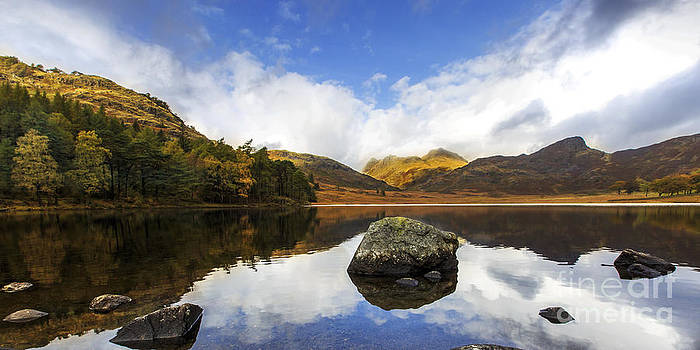 Panoramic Blea Tarn by Pete Reynolds