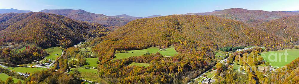 Oscar Gutierrez - Panoramic from Seneca Rock  West Virginia