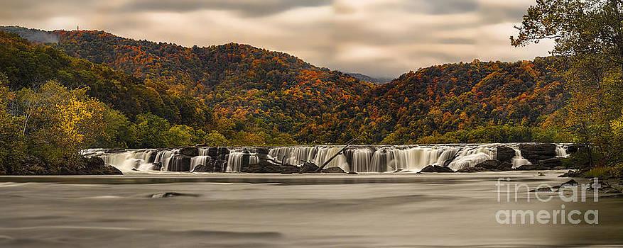 Dan Friend - panoramic of Sandstone Falls in the Fall