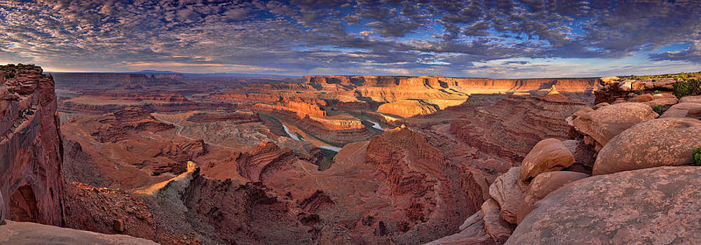 Panoramic sunrise over Dead Horse Point State Park by Sebastien Coursol