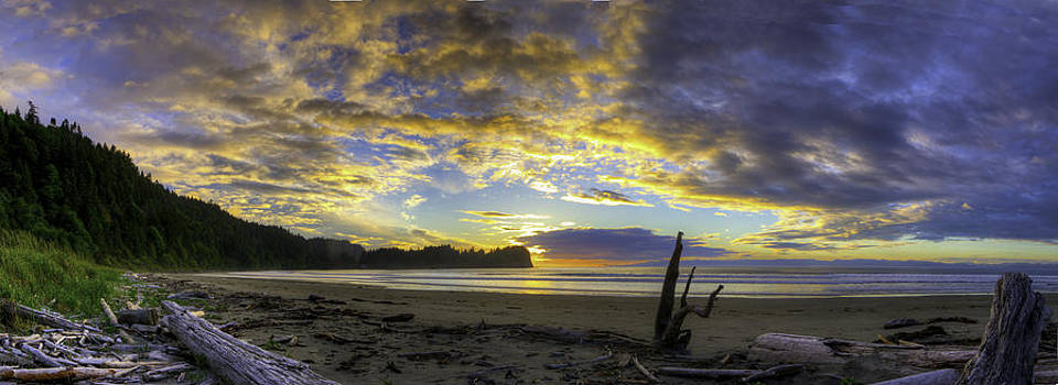 Panoramic Sunset by Rod Mathis