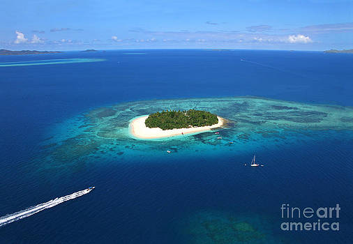 Paradise Island in South Sea II by Lars Ruecker