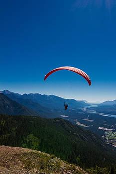 Paraglider  by Maik Tondeur