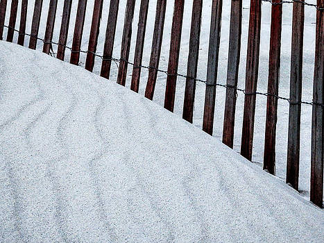 Patterns at Narragansett Beach by Nancy De Flon