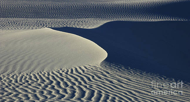 Vivian Christopher - Patterns in the Sand