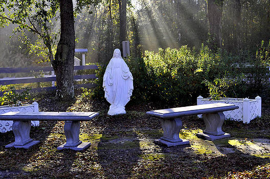 Terry Sita - Peaceful place to pray with Mary