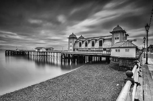 Steve Purnell - Penarth Pier 1 Mono