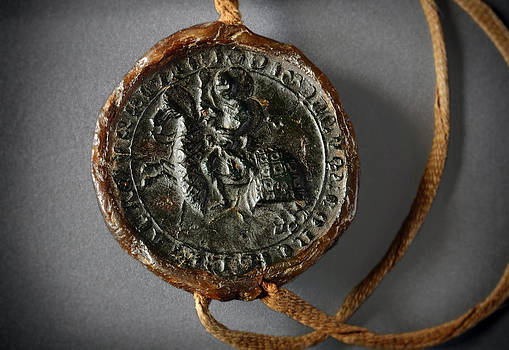 RicardMN Photography - Pendent wax seal of the Council of Calahorra