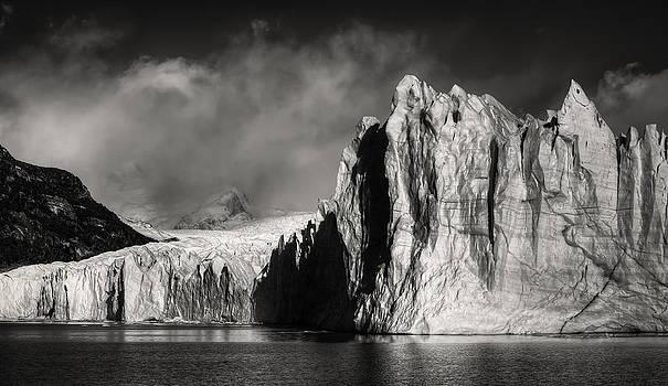 Perito Moreno Glacier by Roman St