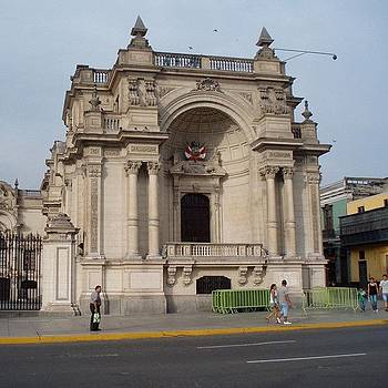 Peruvian Presidential Palace by Dan Mason