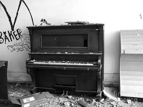 Melissa Lightner - Piano