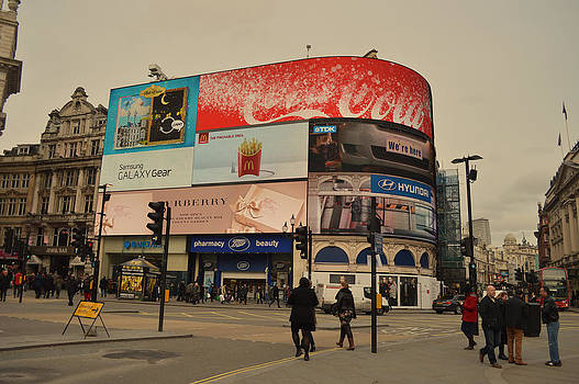 Piccadilly Circus 2 by Alexander Mandelstam