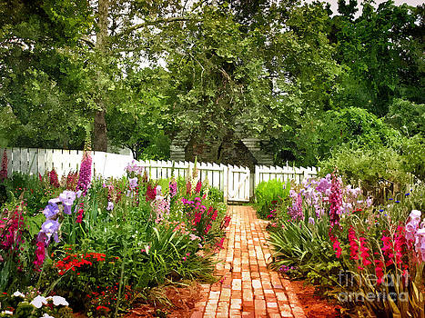 Shari Nees - Picket Fence Garden