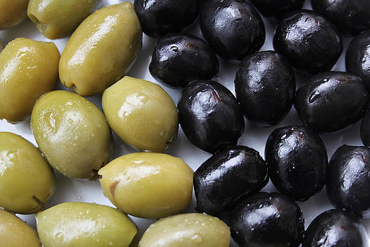 Picture of olives by Diana Dimitrova
