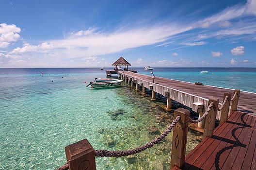 Jenny Rainbow - Pier Into Blue. Resort Vivanta by Taj