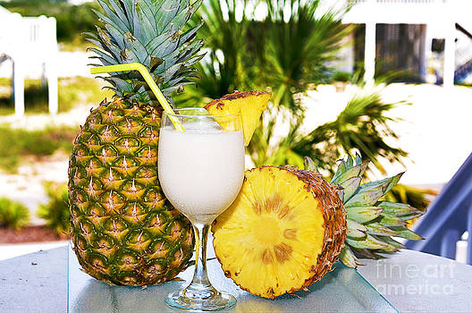 Danny Hooks - Pina Colada with Pineapple