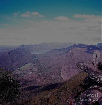 Pinnacles Lookout by Blair Stuart