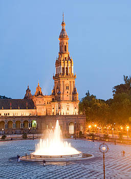 Plaza de Espana Fountain by Viacheslav Savitskiy
