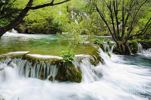 Oscar Gutierrez - Plitivice Lakes Cascade