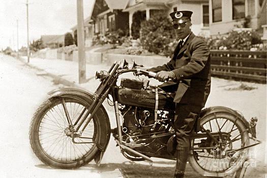 California Views Mr Pat Hathaway Archives - Police man on a Harley Davidson  motorcycles circa 1920
