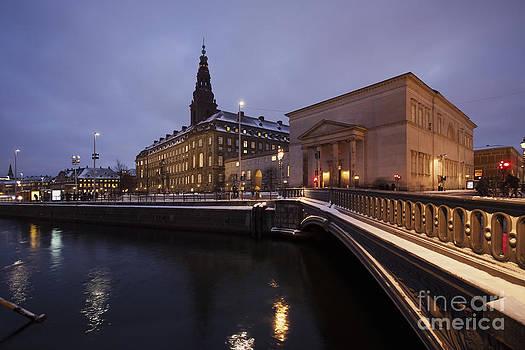 Political center by Wedigo Ferchland