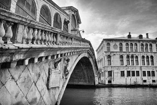 Ponte di Rialto by Mattia Oselladore