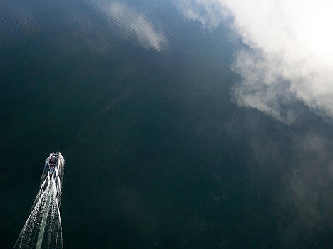 Pontoon boat on Big Cedar Lake by Rob Huntley