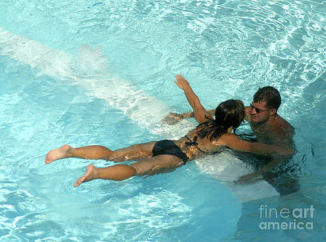 Gary Gingrich Galleries - Pool Couple 9717B