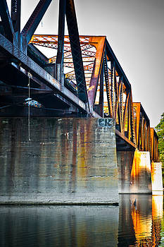 Portland Bridge by Garth Woods