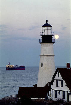 Portland head bids farewell to a Passing Ship by Rick Frost
