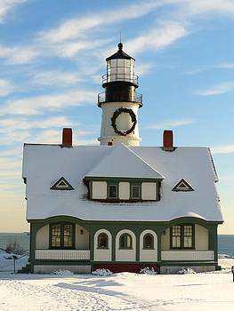 Christine Stack - Portland Headlight Lighthouse with Snow and Decorated with a Wreath for the Holidays