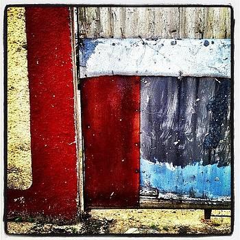 Portão De Rua by Lauren Dsf