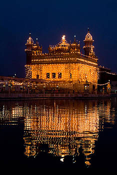 Devinder Sangha - Portrait of Golden Temple at night