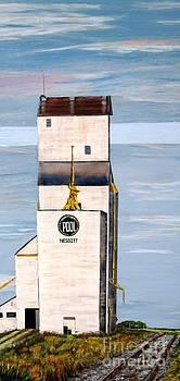 Prairie Icon - Manitoba Pool Elevator by Marilyn  McNish