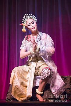 Pralor by Phumiphat Thammawong